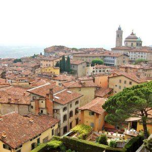 Bergamo, il biglietto dell'autobus si compra con lo smartphone