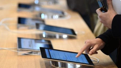 Smartphone, tablet e PC: gli italiani sono i migliori acquirenti d'Europa