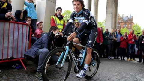 Uran in rosa si candida a nuovo padrone del Giro d'Italia