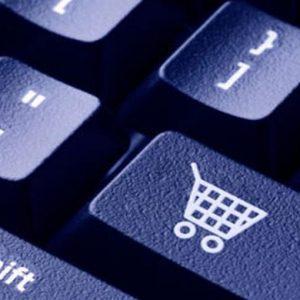 Agli italiani piace acquistare online, ma temono le truffe