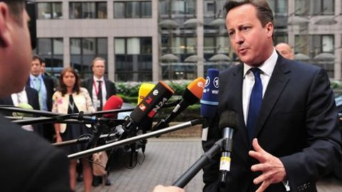 Cameron: se Juncker guiderà la Commissione europea, la Gran Bretagna uscirà dall'Ue