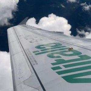 Alitalia: per Covid-19 ricavi crollati del 97%, al via due newco