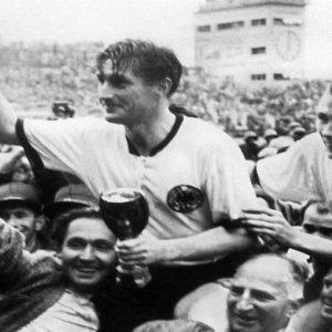 Mondiali al via: nell'era dei social network il ricordo di Svizzera '54, ultima Coppa senza tv