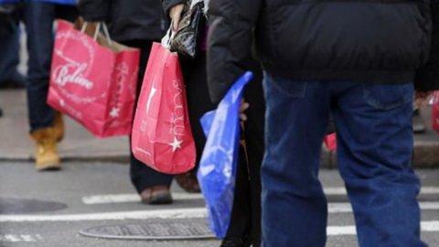 Prometeia: il bonus Irpef vale 5 miliardi di consumi interni in più (+0,5% nel 2014)