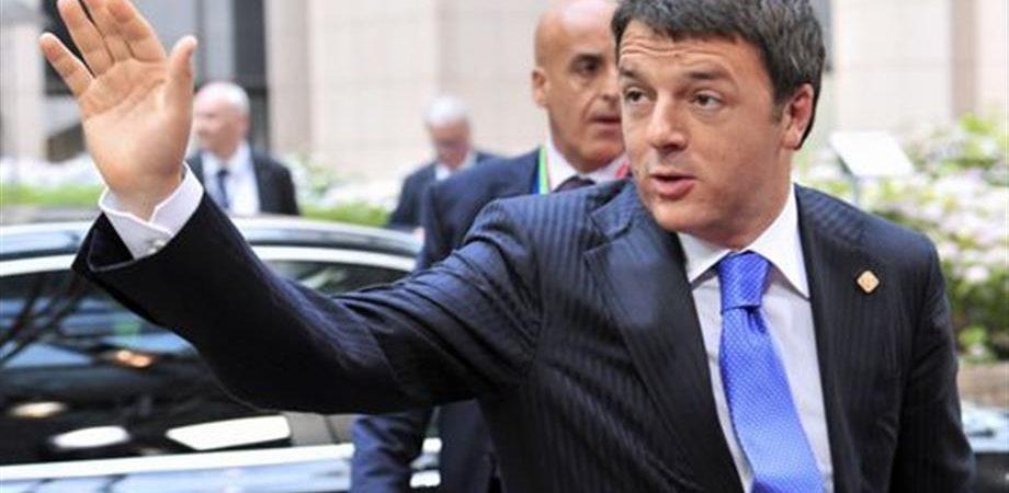 """Renzi al Consiglio Ue: """"Ottenuta più flessibilità in cambio di riforme"""". Ok Juncker alla Commissione"""