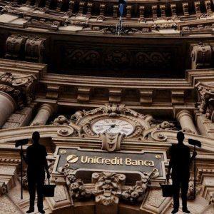 Unicredit: boom degli utili nel primo semestre (+37,8%), si avvicina target 2014 di 2 mld