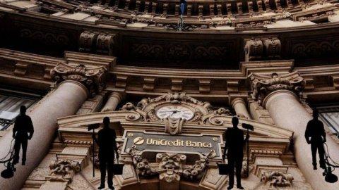 Unicredit, accordo con i sindacati sugli esuberi: 2.400 prepensionamenti e 800 assunzioni