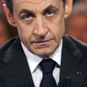 Francia: Sarkozy a processo per fondi neri