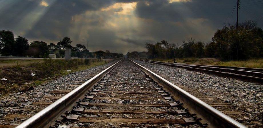 Spending review: nel Def tagli su Ferrovie, Tir e autobus