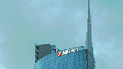 Unicredit colloca maxi-bond da 3 miliardi di dollari