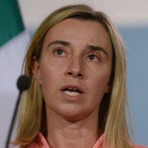 """Esteri Ue, Renzi: """"No a Mogherini? Candidiamo D'Alema"""". Ma Bruxelles vuole Enrico Letta"""