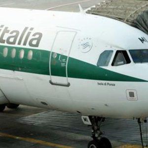 Accordo Alitalia-sindacati: la cassa scende a 1600 unità