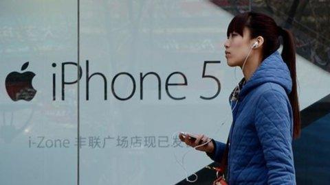 Sfida all'Fbi: Google e WhatsApp si schierano con Apple