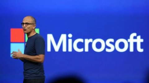 Microsoft vale oltre mille miliardi e supera Apple e Amazon