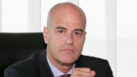 Eni, Descalzi: valutiamo uscita da South Stream