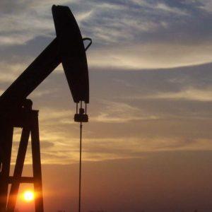 Il boom del petrolio risveglia i mercati, ma restano le ombre