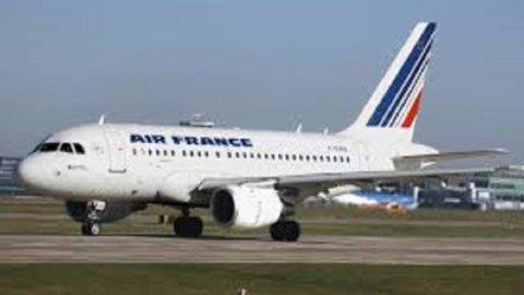 Air France: lo sciopero dei piloti continua fino a venerdì, perdite già a 100 milioni