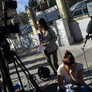 Ebola, casi sospetti in Europa. E in Spagna peggiorano le condizioni dell'infermiera contagiata