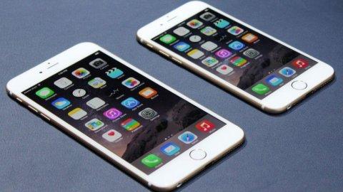 Google sfida Apple: pronto lo smartphone con lo schermo gigante