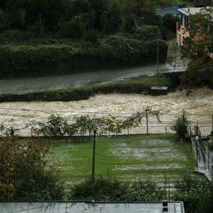 Maltempo, allarme Liguria: 2 morti a Leivi, esercito a Chiavari