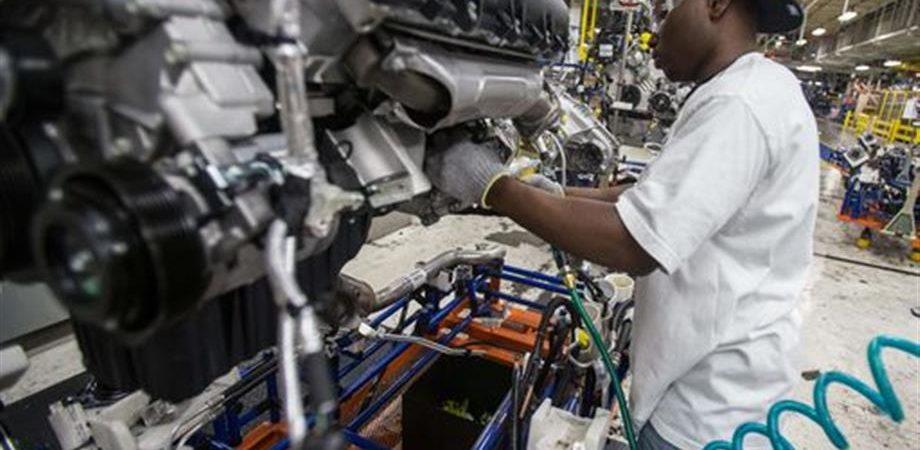 Industria, produzione auto Ko in aprile: -17,1%
