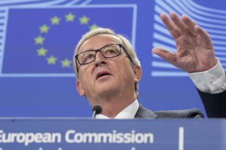 """Juncker sulla Manovra: """"Deviazione inaccettabile"""""""