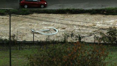 Maltempo: Liguria e Piemonte in ginocchio, forti piogge anche al Sud
