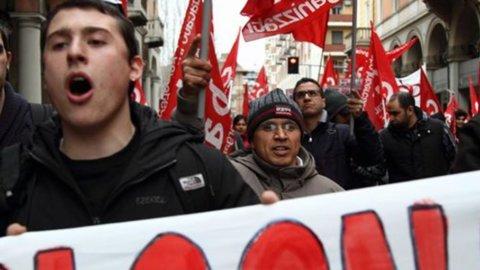 """""""Al bivio. Lavoro, sindacato e rappresentanza nell'Italia di oggi"""""""