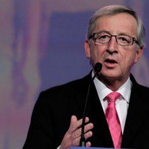 """Brexit, Juncker: """"Niente accordo, ma intesa vicina"""". Irlanda delusa"""