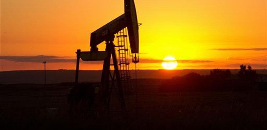 Petrolio, i quattro fattori che influiscono sul prezzo