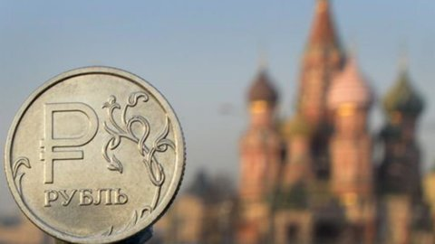 Valute: crollano Russia, Turchia e Kazakistan