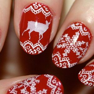 Malaysia, tutti pazzi per le unghie di Natale