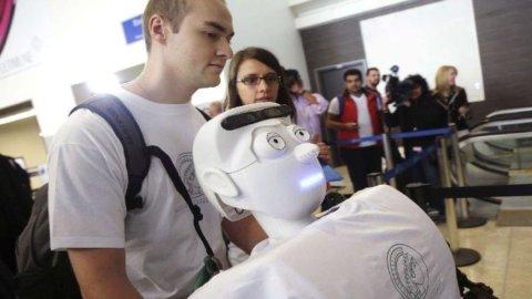 Los Angeles, un robot come compagno di volo