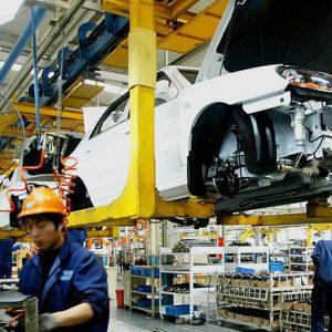 Industria: la mini-ripresa continua, ma non per l'auto