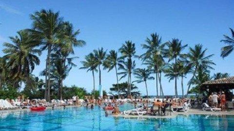 Club Med ai cinesi, Bonomi si ritira