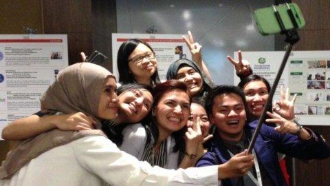 Bacchetta per i selfie, l'origine è in Indonesia
