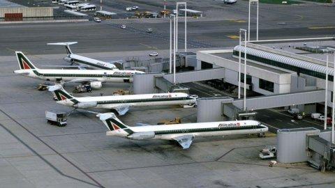 Aeroporti, via libera alla fusione Firenze-Pisa