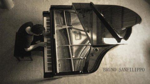 Bruno Sanfilippo un pianista che compone ispirato dall'arte, storia, cinema e dalla gente