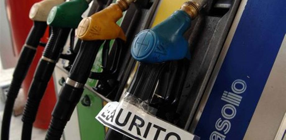 Prezzi benzina e diesel: arriva la stangata di Pasqua