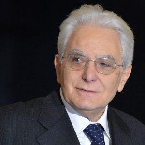 Commissione banche: Mattarella firma, ma detta le regole
