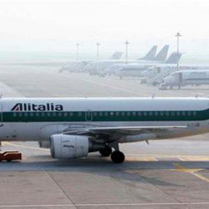Alitalia: Cda e soci chiedono l'amministrazione straordinaria