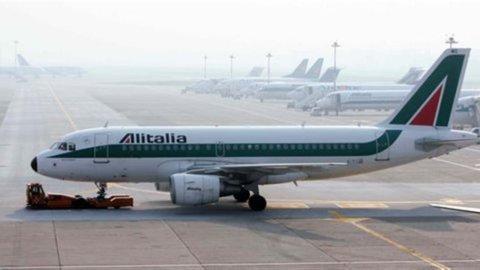 Alitalia: Cigs e Naspi per 1.300 lavoratori, la proposta del Governo