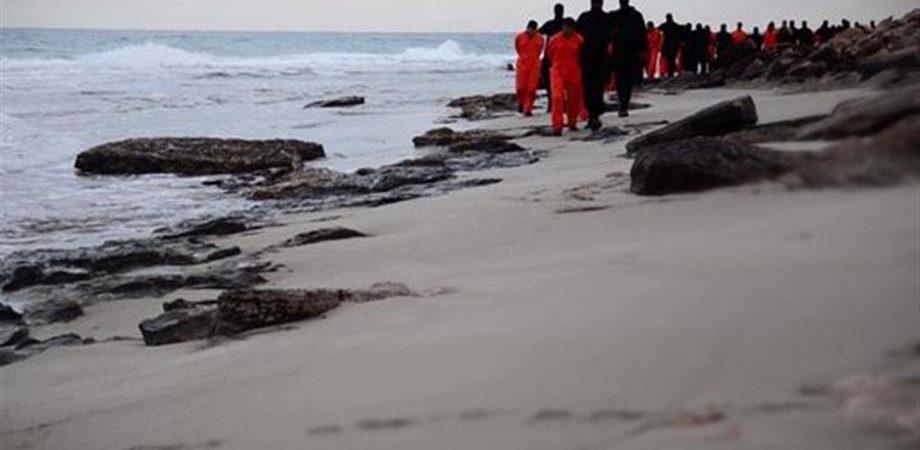 Libia, prove di guerra: francesi già in campo