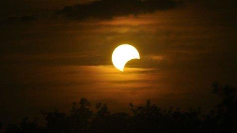 Eclissi solare, domani il grande spettacolo dei cieli