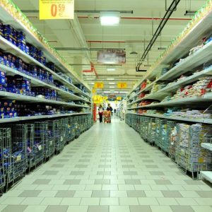 Istat: a giugno risalgono le vendite al dettaglio