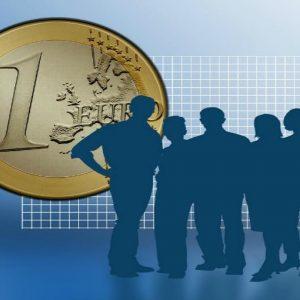 STIPENDI DEI MANAGER: in finanza l'Ad guadagna 53 volte più dei neoassunti