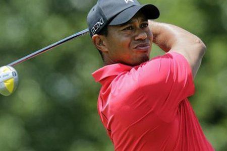 Golf, Tiger torna alle origini e gioca il Genesis Open