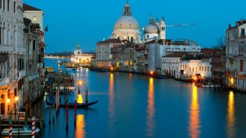BALLOTTAGGI – Il Pd perde Venezia ed Arezzo, risorge il centrodestra
