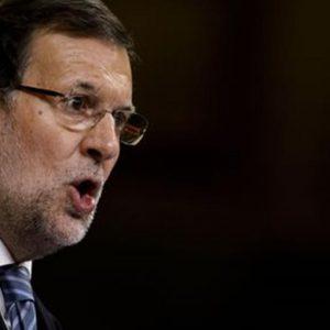 """Spagna: niente fiducia per Rajoy. Sanchez: """"Non gli permetteremo mai di governare"""""""