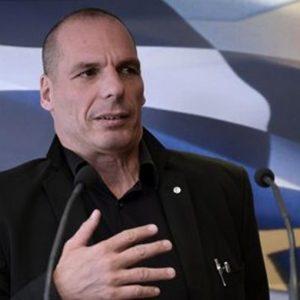 Grecia, Varoufakis aggredito da attivisti anti-stato